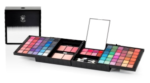 Make up Pallette_Hires AED 149