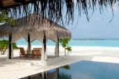 deluxe beach villa irufushi